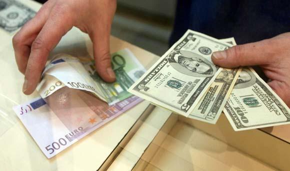 نوسانات نرخ ارز و تورم