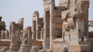 تعیین قدمت بنا تاریخی